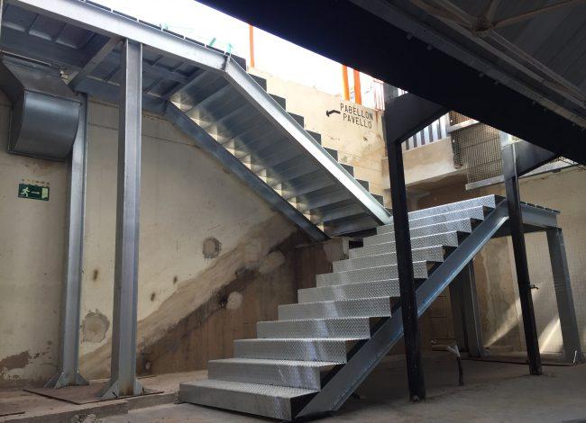 Escalera Galvanizada